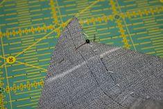 kulmat ja leikkaa ylimääräinen kangas pois. Tie Clip, Fashion, Moda, Fashion Styles, Fashion Illustrations, Tie Pin