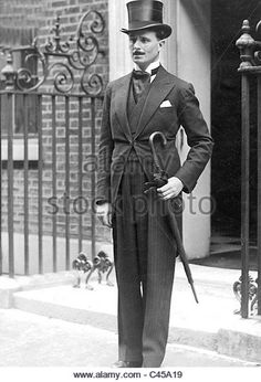 oswald mosley - Part of the Mitford family Vintage Outfits, Vintage Fashion, Vintage Style, Mitford Sisters, Morning Suits, Six Sisters, Cap Dress, High Society, Dressed To Kill