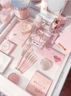 Aesthetic Room Decor, Aesthetic Collage, Cute Pink, Pretty In Pink, Rangement Makeup, Makeup Room Decor, Mode Rose, Uñas Fashion, Girl Bedroom Designs