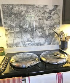Custom made vintage map glass hob splashback. Made-to-measure and centred on any postcode in the UK. Other map styles available. Hob Splashback, Glass Splashbacks, Ordnance Survey Maps, Vintage Maps, Glass Kitchen, Furniture, Home Decor, Style, Swag