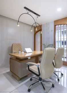 The Arched Insight: A Bijou Workspace | Shraddha Architects - The Architects Diary Other Space, Work Desk, Ceiling Fixtures, Brick Wall, Office Decor, Insight, Minimalism, Shelves, Architecture
