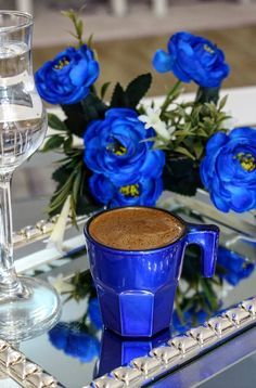Nadire Atas on Coffee International To Enjoy Coffee Zone, Coffee Art, My Coffee, Coffee Shop, Coffee Cups, Sunday Coffee, Good Morning Coffee, Different Blue Colors, Good Morning Flowers