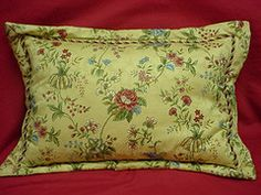 Flanged Pillow with trim