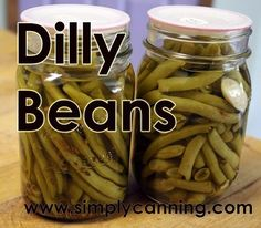 Dilly Beans: Simple pickled green beans with waterbath canning directions… Canning Tips, Canning Recipes, Dilly Beans Recipe Canning, Pickled Green Beans, Canning Vegetables, Veggies, Canning Tomatoes, Canning Food Preservation, Preserving Food