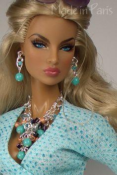 Коллекционные куклы разных производителей FASHION ROYALTY / GOING PUBLIC EUGENIA