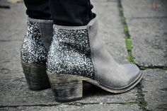 winter fashion images, image search, & inspiration to browse every day. Glitter Boots, Silver Boots, Cute Boots, Fashion Images, Bootie Boots, Ankle Boots, High Boots, Sock Shoes, Zine