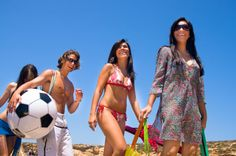 Hen Party Beach games in Spain. A great hen party activity for groups who want to enjoy the sun, sea and sand. Visit www.henweekends.net or go to our Facebook https://www.facebook.com/europeanweekends?ref=hl for great ideas