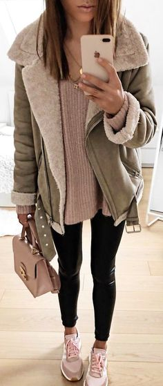gray and brown zippered jacket winter style Vest Outfits, Casual Outfits, Cute Outfits, Winter Outfits Women, Fall Outfits, Look Fashion, Fashion Outfits, Womens Fashion, Patagonia Vest Outfit