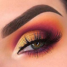 "55k Likes, 157 Comments - Wake Up and Makeup (@wakeupandmakeup) on Instagram: ""Stunning @swayzemorgan"" #eyemakeuphazel"