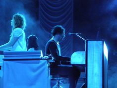 Jack White with his band of ladies, the 'Peacocks' at Hangout Festival 2012
