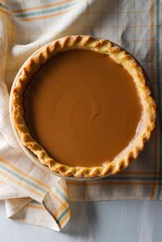 Mario Batali's Butterscotch Pie Is the New Dessert Tradition You'll Want to Start - Desserts Pie Recipes, Dessert Recipes, Cooking Recipes, Vegetarian Recipes, Butterscotch Pie, Caramel Pie, Biscuits, Mario Batali, Sweet Pie