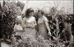 First Ladies & Ancestral Identity Jacqueline Kennedy Caroline Kennedy, Jacqueline Kennedy Onassis, Los Kennedy, Robert Kennedy, Sweet Caroline, Familia Kennedy, First Ladies, Grey Gardens, Photo Archive