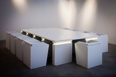 MONOLITHE TABLE par B29 // Eclairages par Alter&Coop