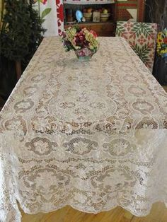 "Superb Fine Needle Lace Antique Banquet Tablecloth ~ 158"" x 60"" Estate Find | eBay | Vintageblessings"