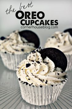 The Best Oreo Cupcakes! Easy Oreo Dessert Recipe - always my favorite treat! The Best Oreo Cupcakes! Easy Oreo Dessert Recipe - always my favorite treat! Oreo Dessert Easy, Oreo Dessert Recipes, Brownie Desserts, Delicious Desserts, Yummy Food, Homemade Cupcake Recipes, Dessert Cups, Cupcake Flavors, Best Easy Cupcake Recipe