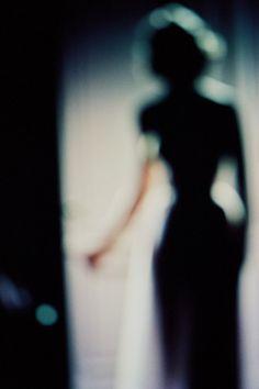 Retro blur ohoto by Francois Fontaine Blur Photography, Fashion Photography, Stunning Photography, Mysterious Photography, Narrative Photography, Timeless Photography, La Main Au Collet, Co Berlin, Out Of Focus