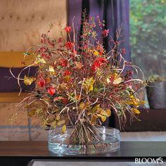 Herbststrauß farbenfroh und natürlich: Strauß mit trockenen Gräsern, Zweigen und Blättern