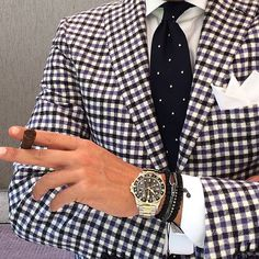 Sunday suit and cigar. Men's Fashion, Only Fashion, Fashion Outfits, Trendy Butler, Designer Suits For Men, Outfits Hombre, Suit And Tie, Well Dressed Men, Elegant Outfit