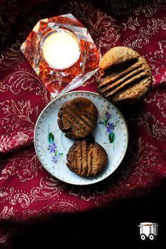 Szybko Tanio Smacznie: Bezglutenowe czekoladowo-cynamonowe ciasteczka z mąki migdałowo-kokosowej