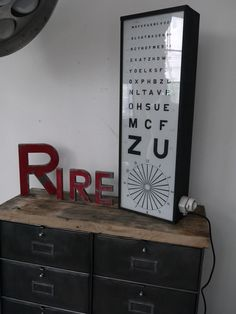 Ancien test d'acuité visuel d'ophtalmologiste et d'opticien, tableau Monoyer
