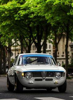 Sad that I did not grow up to be a Fiat — Alfa Romeo Giulia Sprint GT Ferrari, Maserati, Bugatti, Alfa Romeo Gtv6, Alfa Romeo Cars, Aston Martin One 77, Jaguar, Dream Cars, Alfa Alfa