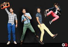 Pantalones tipo Docker en diferentes colores. Haz clic para leer consejos de personal shopper para combinarlos.Colored chinos.