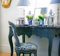 Classic and elegant. Carolyne Roehm dressing table. A Passion for Blue and White. by marjorie
