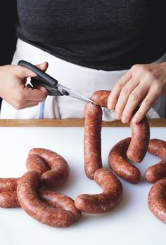 "HOMEMADE SAUSAGE PRIMER ~~~ several recipes, grilling tips, and equipment suggestions shared from, ""the meat hook"" in brooklyn, new york. [101] [bonappetit]"