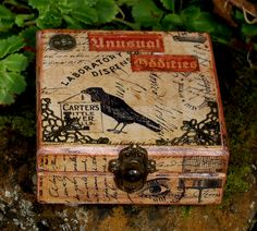 Altered box using Graphic 45 papers by Zuzu for the Calico Crafts design team. Altered Cigar Boxes, Altered Tins, Altered Art, Cigar Box Projects, Cigar Box Crafts, Cigar Box Art, Cigar Box Purse, Mixed Media Boxes, Woodworking Box