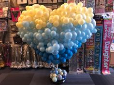 Creating organic displays like this heart means were using less helium! 💙🎈