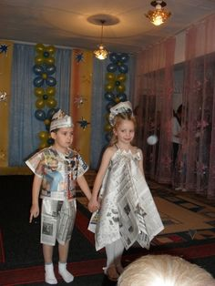 Recycled Costumes, Recycled Dress, Fashion Design For Kids, Kids Fashion, Fashion Show, Paper Fashion, Fashion Art, Paper Clothes, Fancy Dress For Kids