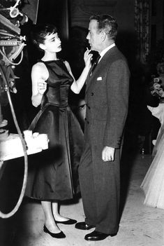 cinematicfinatic: Audrey et Bogart