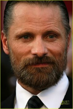 "Viggo Mortensen (Dennis ""Denny"" Monaghan MD, Consulting psychiatrist CC and UH, Director St Anthony's)"
