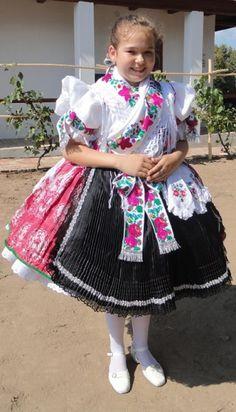 Palóc népviselet Folk Costume, Costumes, Hungarian Embroidery, Godchild, Folk Dance, Dance Dresses, Traditional Dresses, Hungary, Flower Patterns