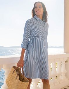 Seraphine's Pinstripe Shirt Maternity & Nursing Dress is a must-have for mums - perfect before, during & after pregnancy. Maternity Work Clothes, Maternity Shirt Dress, Nursing Clothes, Stylish Maternity, Maternity Dresses, Stylish Pregnancy, Nursing Shirt, Maternity Photos, Spring Maternity Fashion