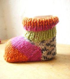 Free knitting pattern for baby socks
