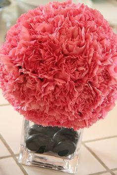 Carnations bunched together  http://weddingplans.livejournal.com/18361059.html
