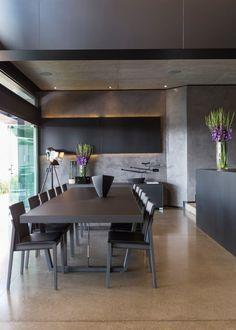 Busca imágenes de diseños de Comedores estilo moderno de Nico Van Der Meulen Architects . Encuentra las mejores fotos para inspirarte y crear el hogar de tus sueños.