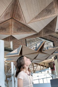 Resonant Chamber, paneles acústicos cinéticos de RVTR | Experimenta  http://www.experimenta.es/noticias/arquitectura/rvtr-resonant-chamber-paneles-acusticos-3521/