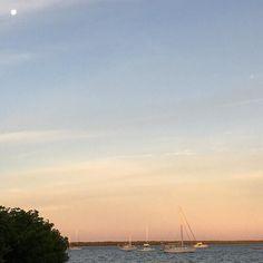 #sunrise #nature #naturelovers #moon #fullmoon #view #minimal #minimalism #minimalist
