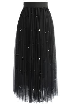 Falling Sparkle Tulle Skirt in Black - Retro, Indie and Unique Fashion Look Fashion, Skirt Fashion, Unique Fashion, Fashion Styles, Fashion Tips, Fashion Outfits, Chicwish Skirt, Sparkle Skirt, Retro Mode