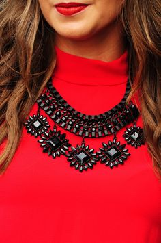 Catch Your Eye Necklace: Black #shophopes
