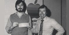 Apple Inc. Steve Jobs and Steve Wozniak working in their garage.The year was Steve Jobs and Steve Wozniak had barely moved out of the Jobs' family garage Steve Wozniak, Bill Gates Steve Jobs, Apple Ii, All About Steve, Build Your Own Computer, Steve Jobs Apple, Apple Picture, Photography Branding, Photography Business
