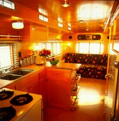 vintage+mobile+home+interiors | Check out many more amazing trailers from a selection that went ...