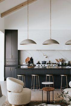 Interior Desing, Interior Design Kitchen, Interior Design Inspiration, Kitchen Decor, Design Studio, House Design, Home Goods Store, Property Design, Neutral
