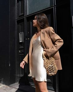 Blazer Weather Out in London wearing ivory slip dress and tan blazer for the perfect fall outfit. Source by Dress street style Boho Outfits, Trendy Outfits, Dress Outfits, Fall Outfits, Cute Outfits, Fashion Outfits, Womens Fashion, Fashion Tips, Blazer Fashion
