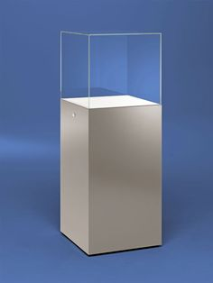 "Pedestal Display Case  Stuttgart Pedestal Case - 20"" Wide x 18"" Glass height"