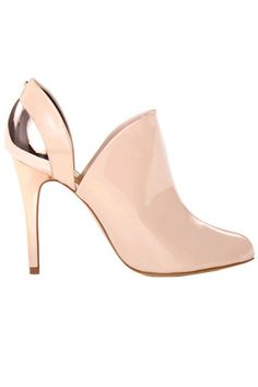 I actually really like these, covered enough for fall & still gives me my beloved heel #tedbaker #alenkheel