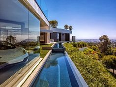 Perfect Modern Mansion at 1201 Laurel Way, Beverly Hills