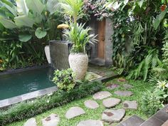 Located just a drive to the centre of Ubud, Pondok Buda Villa offers a self-contained villa with an outdoor pool surrounded by lush tropical. Hotel Swimming Pool, Extra Bed, Sound Proofing, Cafe Bar, Tropical Garden, Ubud, Private Pool, Outdoor Pool, Holiday Ideas